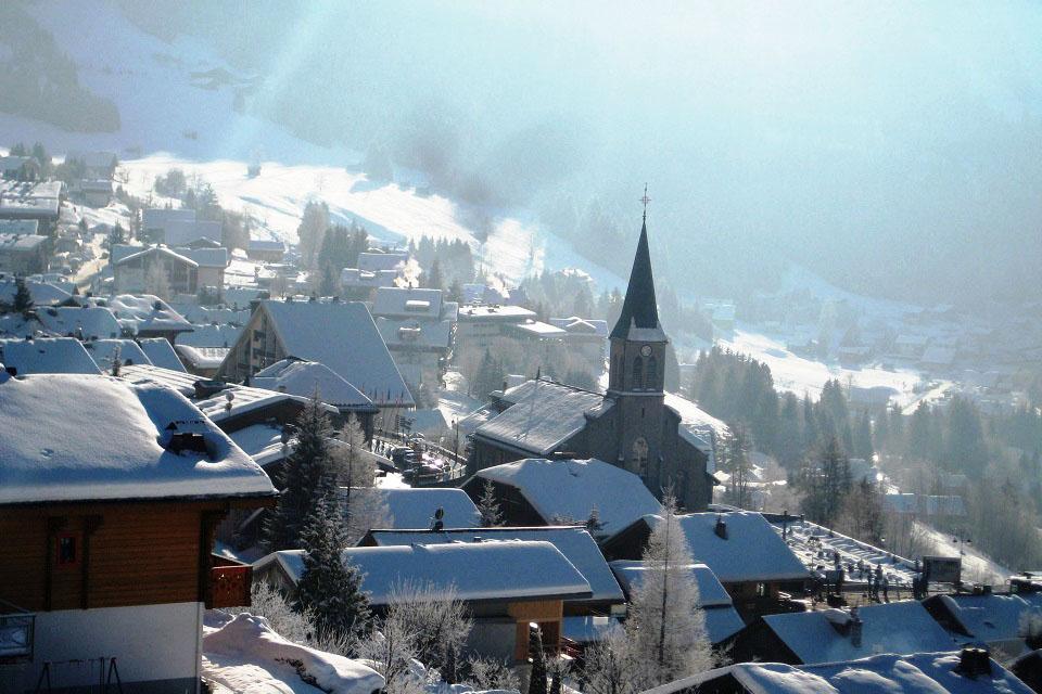 village de chatel sous la neige haute savoie