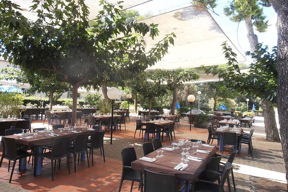 Notre restaurant extérieur - Village Vacances Batipaume - Agde