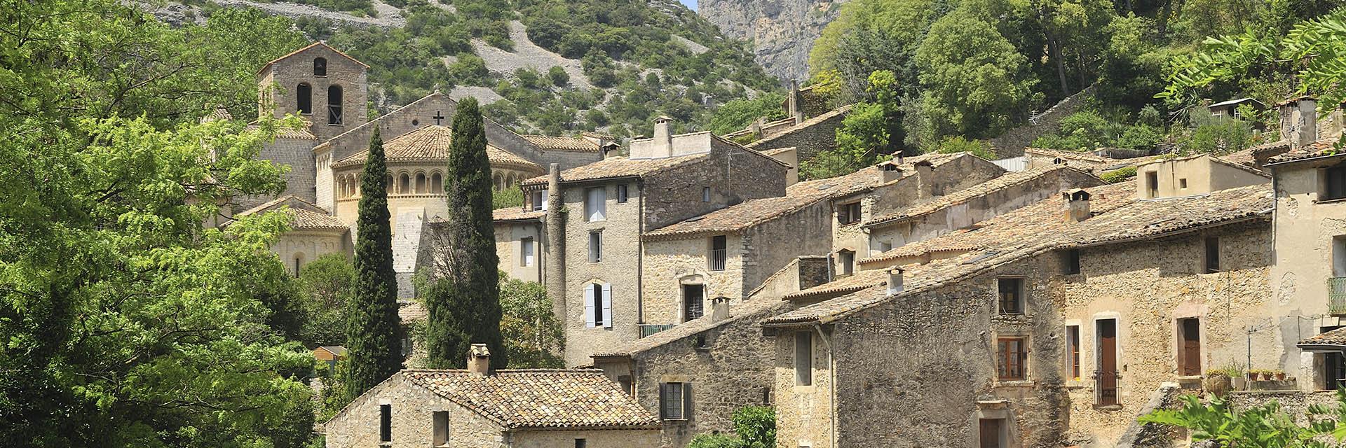 village-vacance-batipaume-saint-guilhem-le-desert