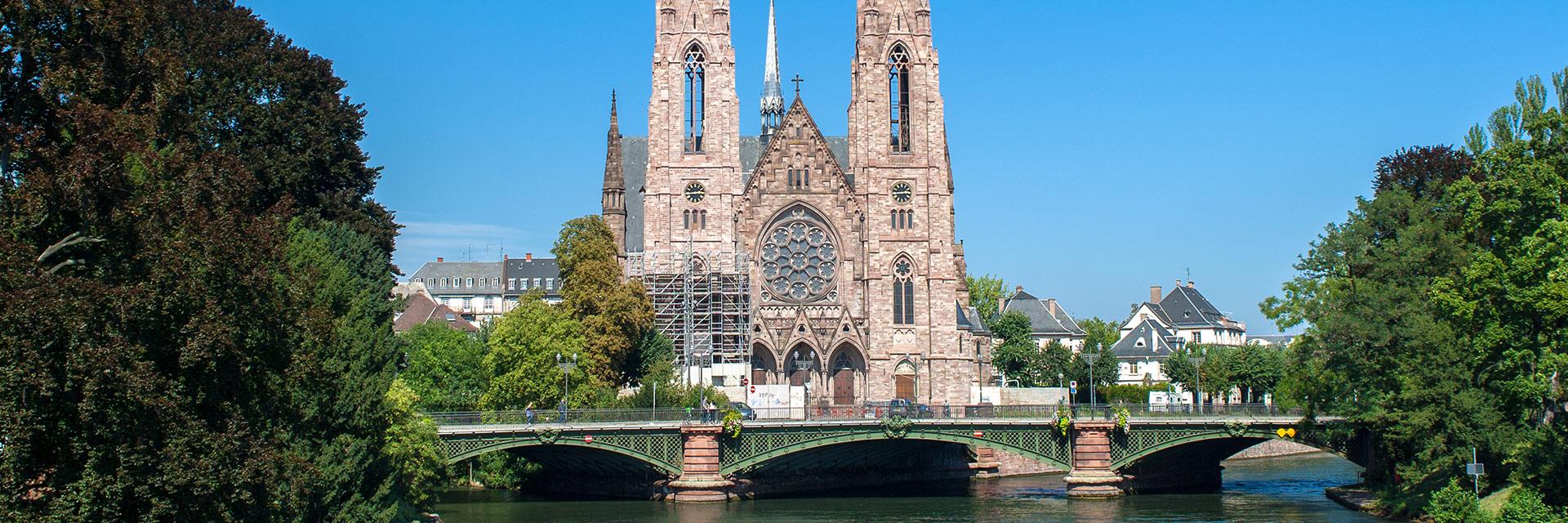village-vacances-domaine-st-jacques-cathedrale