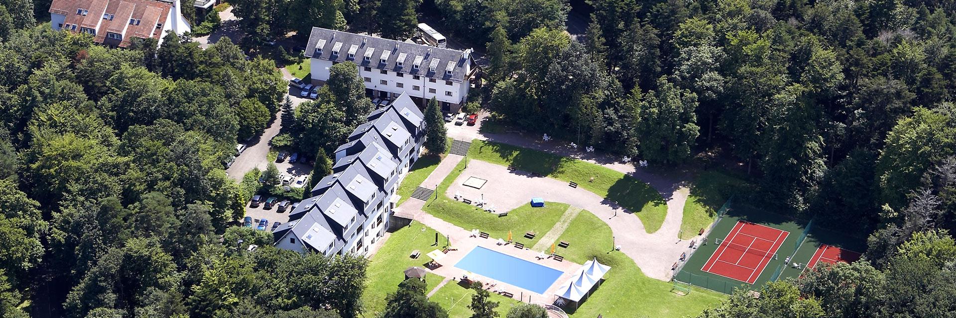 village-vacances-domaine-st-jacques-vue-du-ciel