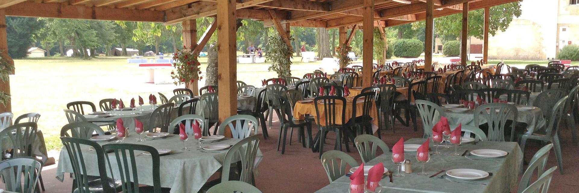 village-vacances-chateau-de-moulerens-restauration