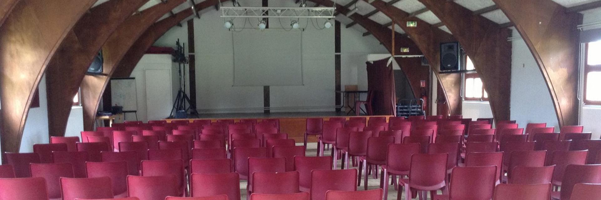 village-vacances-chateau-de-moulerens-salle-spectacle