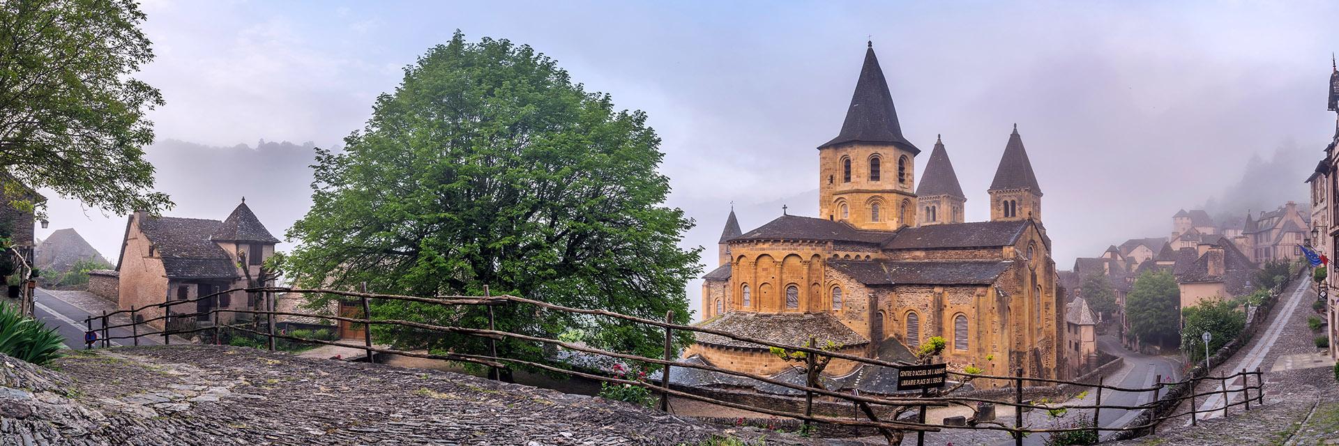 Découvrez les monuments des Chemins de Saint-Jacques de Compostelle en groupe