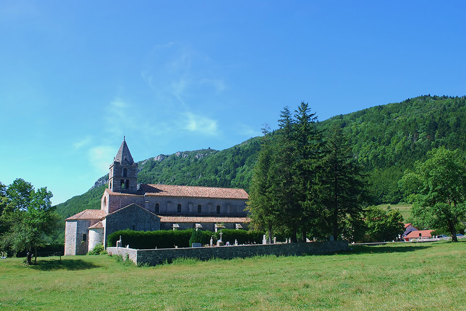 village-vacances-piroulet-vercors-abbaye-leoncel