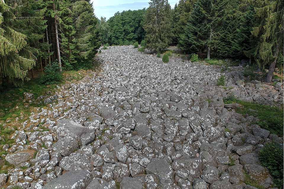 Le champ de roches