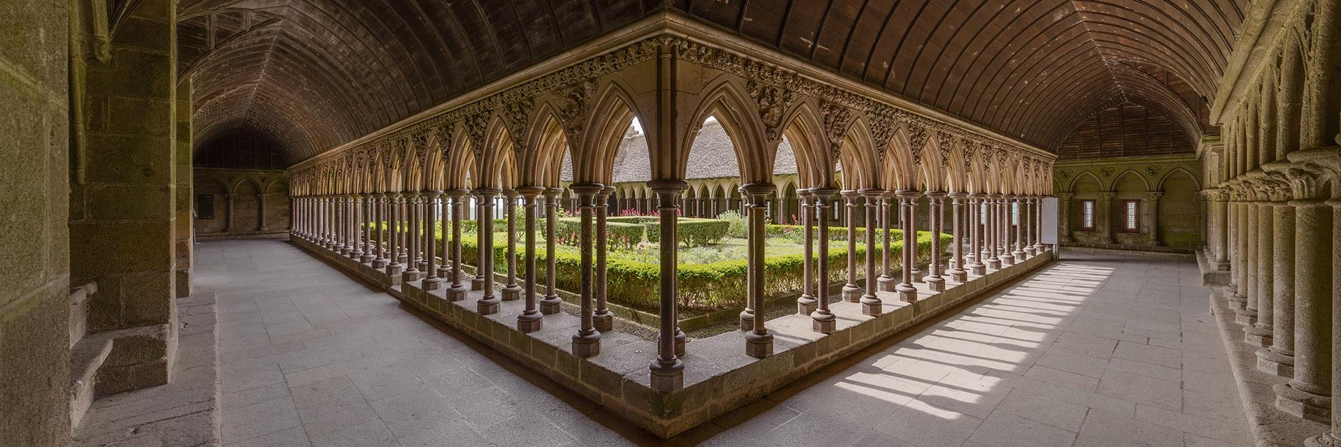 Le Cloître de l'Abbaye du Mont Saint-Michel