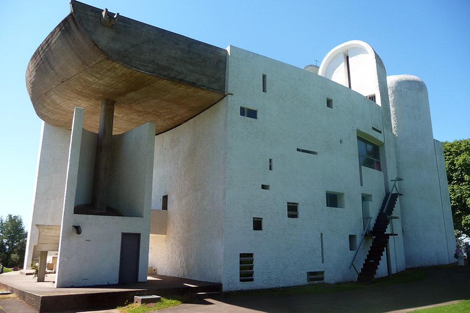 La chapelle Notre-Dame du Haut, par Le Corbusier